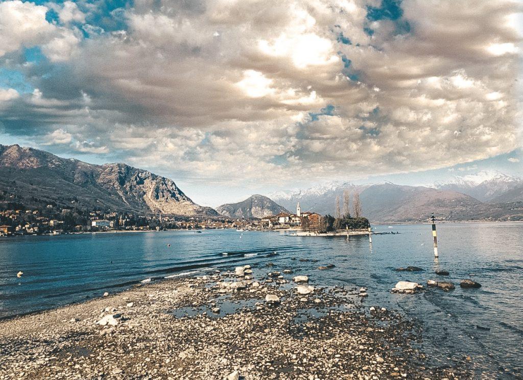 la vista di Isola dei Pescatori da Isola Bella