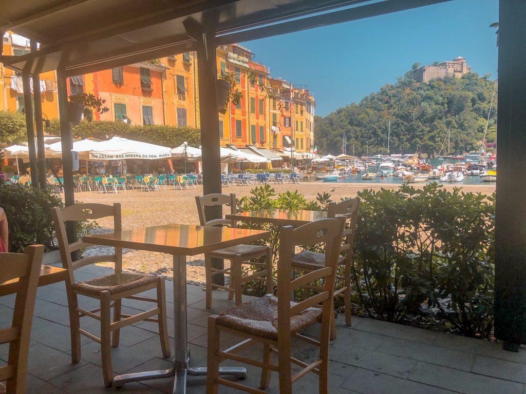 """Vista della Piazzetta di Portofino dal ristorante """"Da Nicola"""""""
