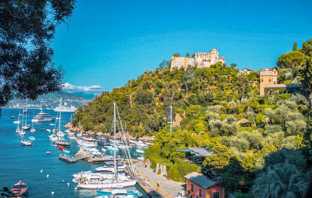 Il Castello Brown che domina sulla Baia di Portofino